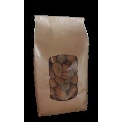 Amandes entières à coque récoltées sur le Domaine de Villemus par Michel Adaoust, producteur-propriétaire récoltant à Jouques