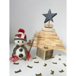 Sapin de Noël de fabrication artisanale à partir de bois recyclé. Création de l'atelier bois d'ElanJouques en Provence